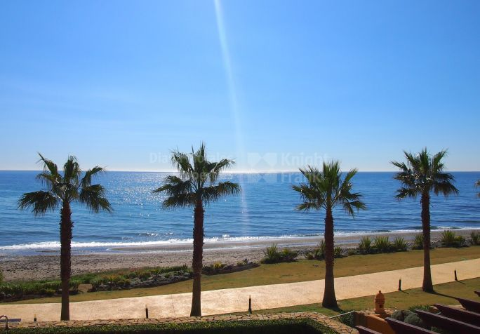 Estepona, Apartment Overlooking The Mediterranean Within Secure Community