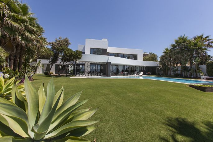 Marbella East, Contemporary Beachfront Jewel