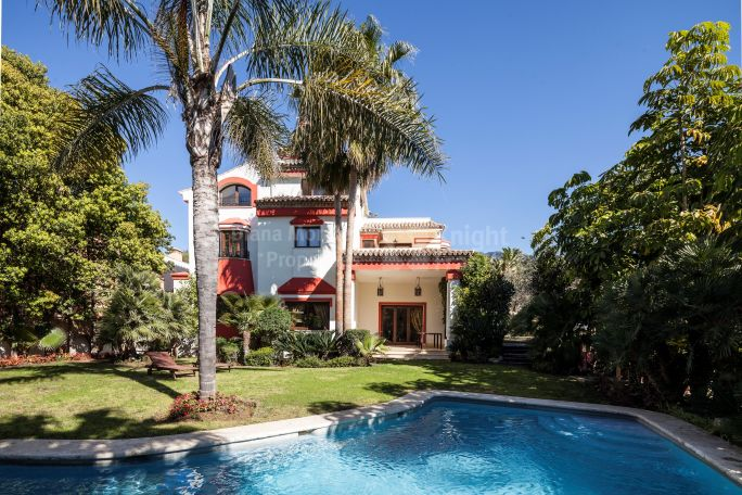 Marbella Golden Mile, Golden Mile's Villa with Excellent Qualities