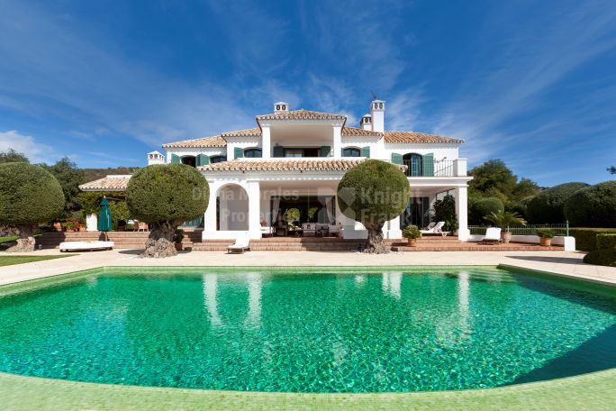 Commanding Views from Hilltop Position - Villa for sale in Marbella Club Golf Resort, Benahavis