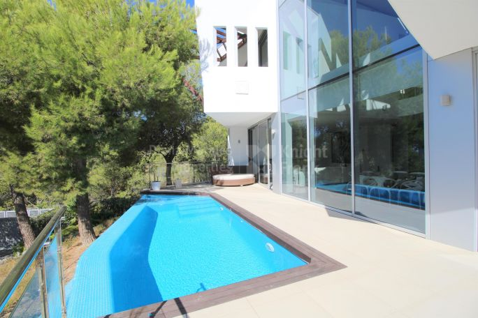 Semi Detached Villa in Marbella Golden Mile