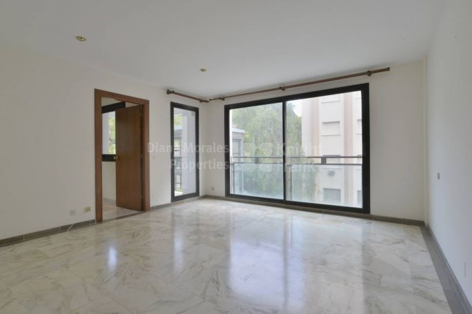Spacious Apartment in the Heart of Town - Apartment for sale in Marbella Centro, Marbella Town