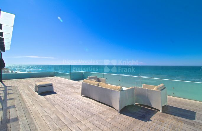 Marbella East, Beachfront Villa in East Marbella
