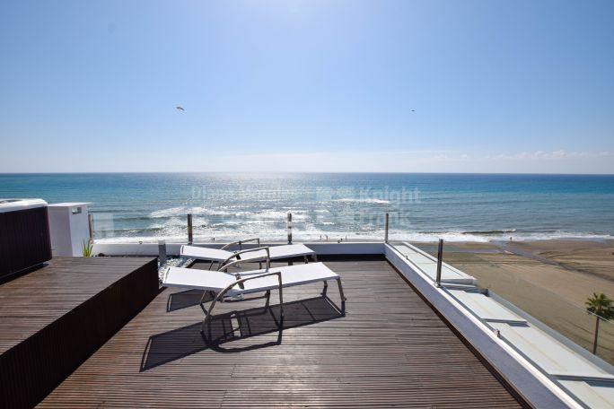 Estepona, Beachfront apartment in Estepona Centre