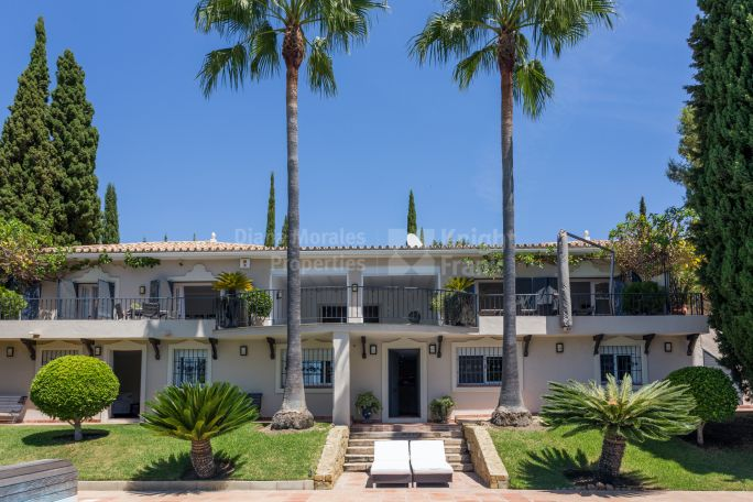 Benahavis, Gracious Family Home