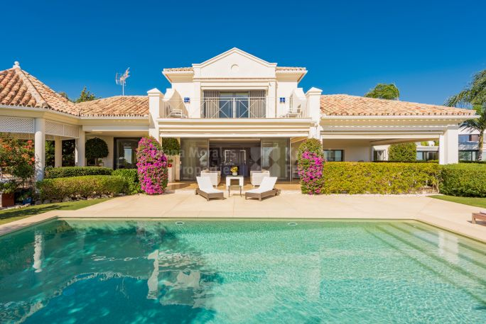 Benahavis, Immaculate Villa within Gated Community