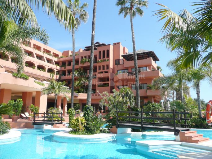Estepona, Relax with luxury