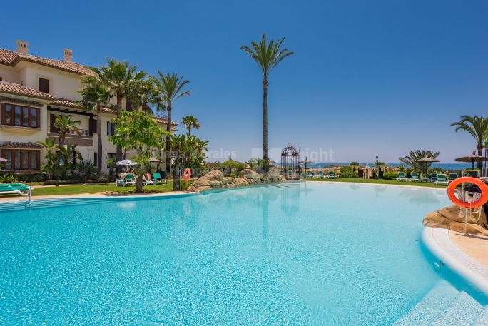 Marbella East, Exceptional Beachside Apartment