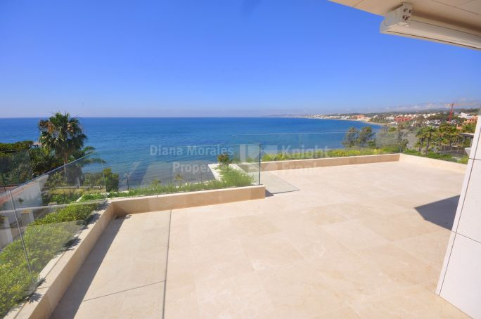 Estepona, Newly Built Beachfront Apartment