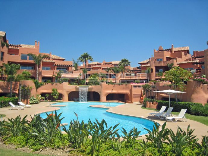 Luxury beach front apartment in Los Monteros - Marbella