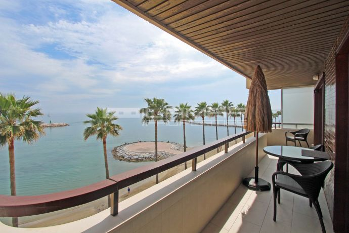 Modern beach front apartment for rent in marbella centre