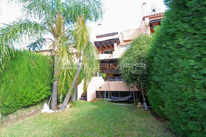 Large townhouse on Marbella Golden Mile near the beach