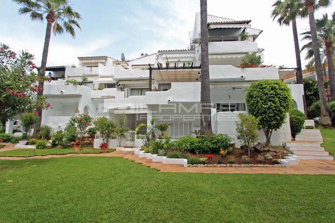 Beachside penthouse for sale El Rodeo Beach - Puerto Banus
