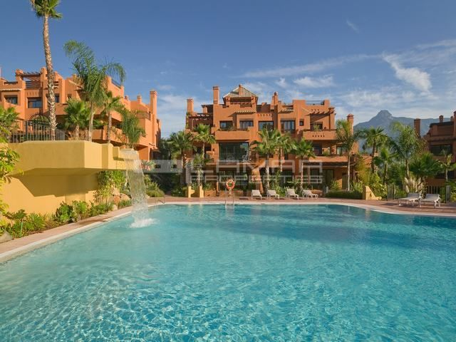 Luxury development for sale near Puerto Banus - Marbella