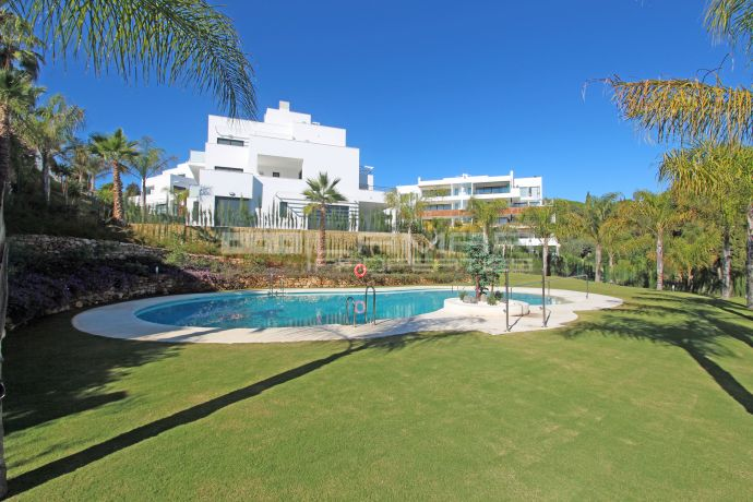 Modern apartment in Nazules, on Marbella's Golden Mile