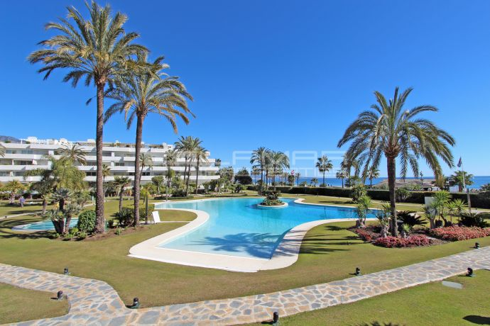Beachfront apartment in Puerto Banus - Los Granados