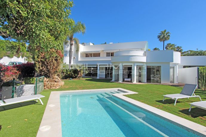 Villa on Marbella's Golden Mile near Sierra Blanca