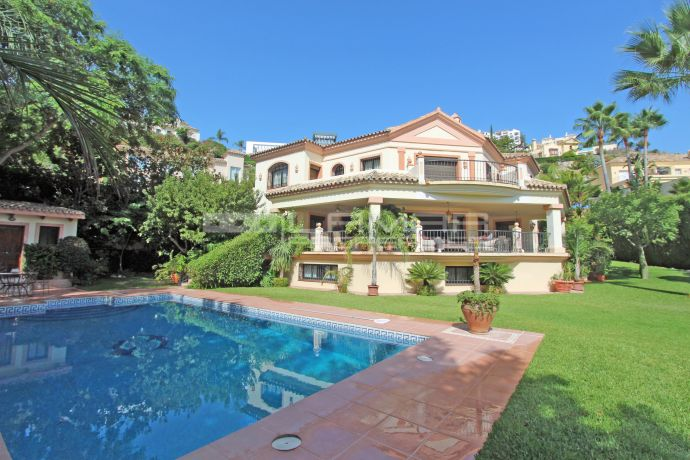 Villa in Los Arqueros golf with impressive views