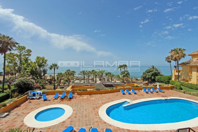 Rio Real Playa, beachfront apartment sale in Marbella