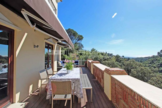 Family home for rent in El Madroñal with great views - Marbella