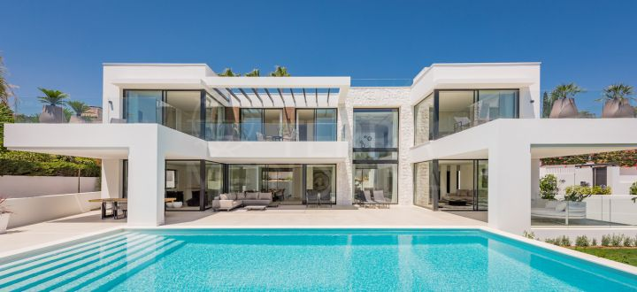 Spectacular brand new contemporary style villa with 4 bedrooms and sea views for sale in Marbesa, Marbella east