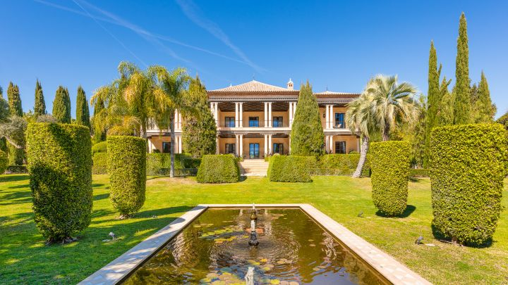 Exceptional ultra-luxury 8 bedroom villa for sale in Nagueles, on Marbella's Golden Mile