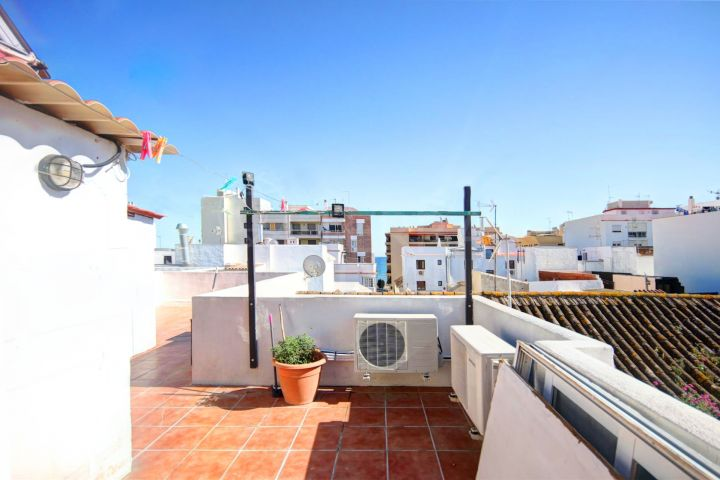 Hostal for sale 100m from the beach in the heart of Estepona old town