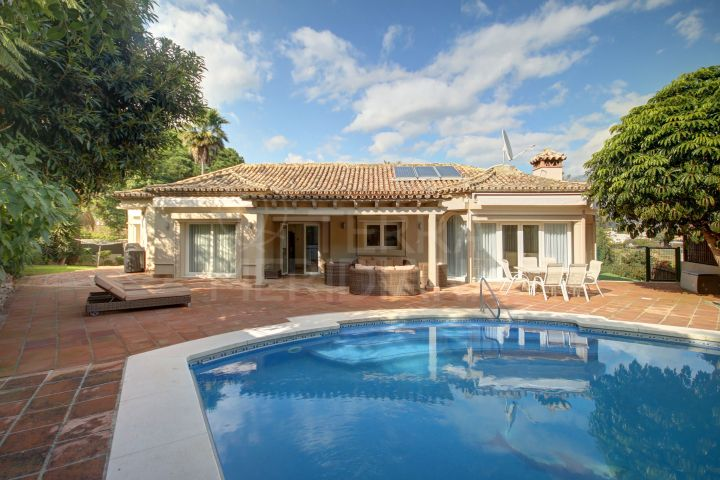 Beautiful 4 bedroom villa for rent and sale in the heart of the Golf Valley, Nueva Andalucia