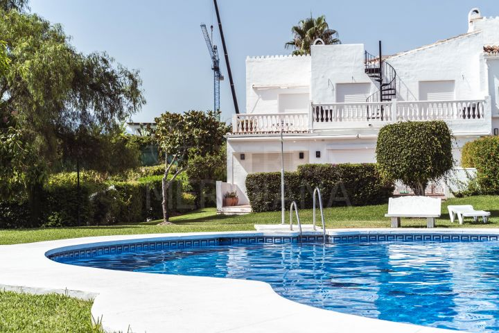 Fabulous modern upgraded 3 bedroom townhouse for sale in Nueva Andalucia, Marbella