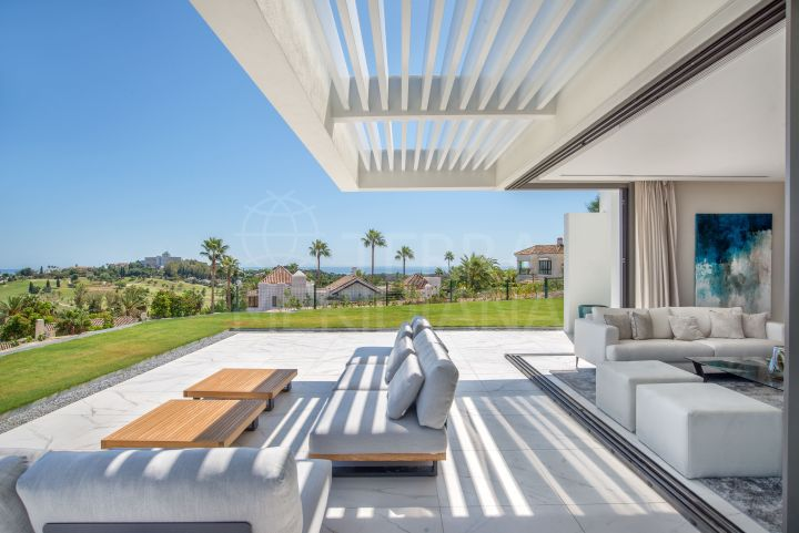 Brand new stunning 3 bedroom contemporary style luxury apartment for sale in El Paraiso, Benahavis