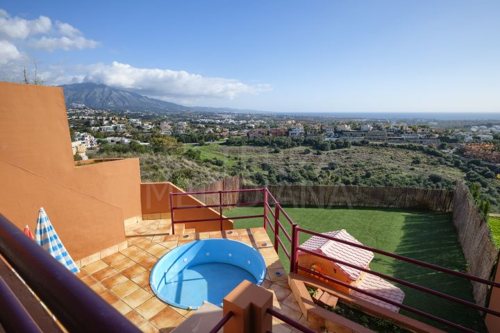 Beautiful 3 bedroom townhouse with panoramic sea views for sale near La Alqueria, Benahavis