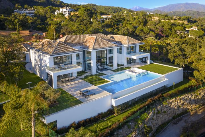 Brand new 6 bedroom luxury villa for sale in the exclusive urbanisation of El Madroñal, Benahavis