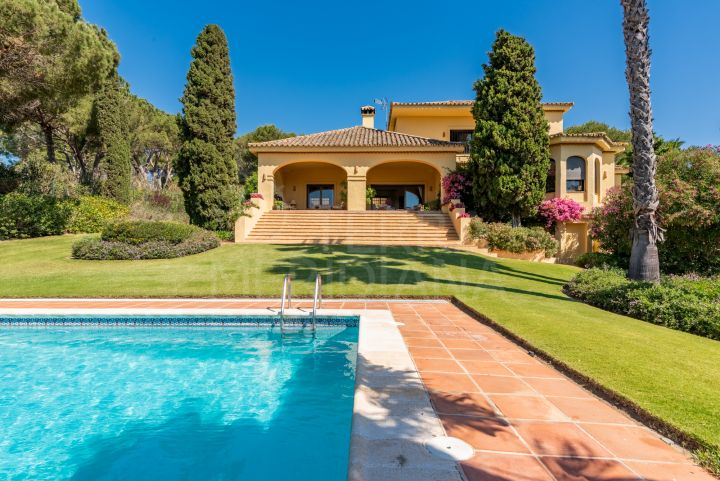 Elegant villa for sale in Valderrama Golf, Sotogrande