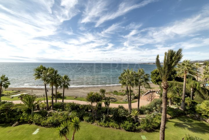 Seafront duplex penthouse for sale in Cabo Bermejo, Estepona