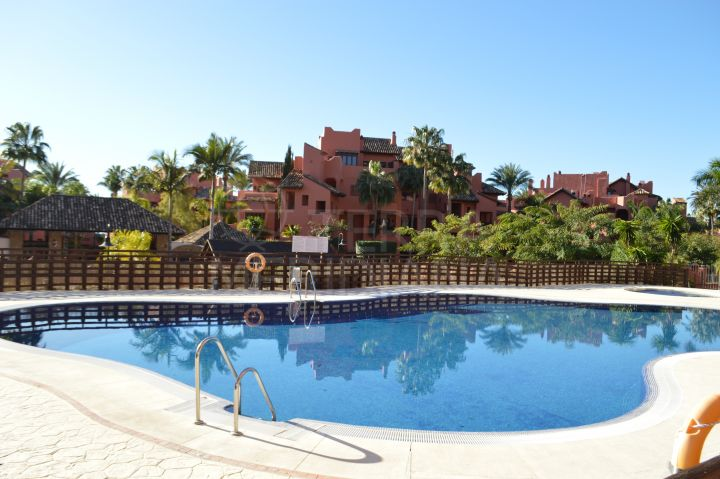 Beachside apartment for sale in Las Nayades, Estepona