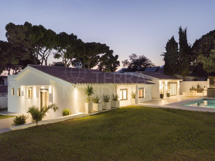 Remodelled single level luxury villa for sale in El Rosario, Marbella East
