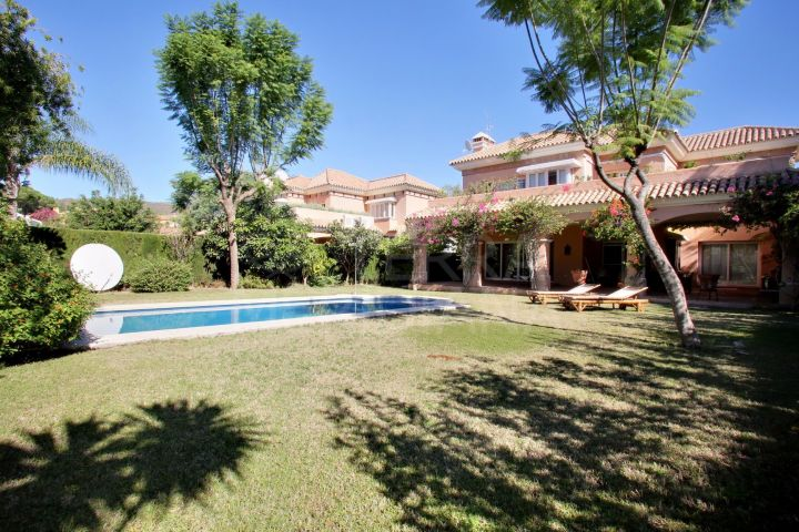 Beautiful 4 Bedroom Villa for sale in Marbella, Nueva Andalucia