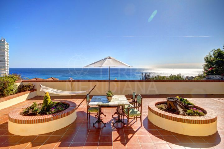 Spanish style single level villa with panoramic sea views for sale in Torreguadiaro, Sotogrande