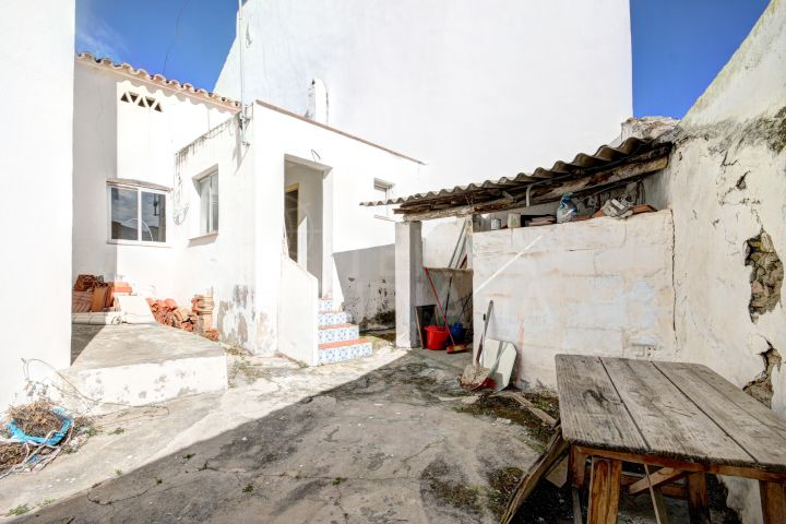Development opportunity - townhouse for sale in Estepona Old Town