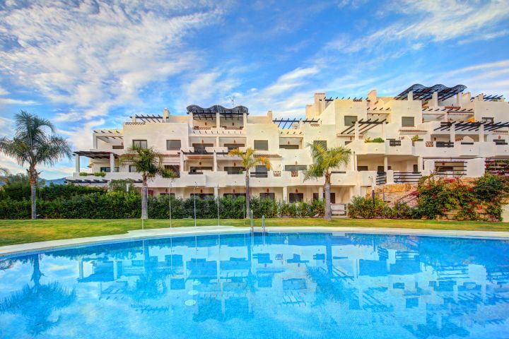 Beautiful 2 Bedroom Ground Floor Apartment for sale in La Resina, Estepona
