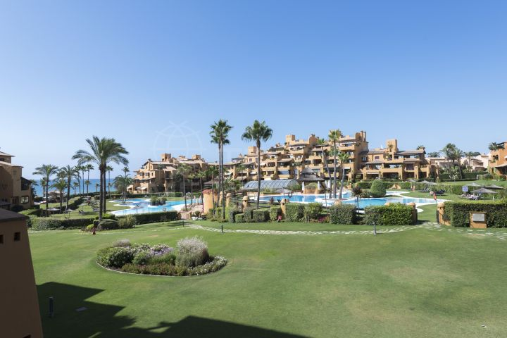 Sleek apartment for sale in Los Granados del Mar, Estepona
