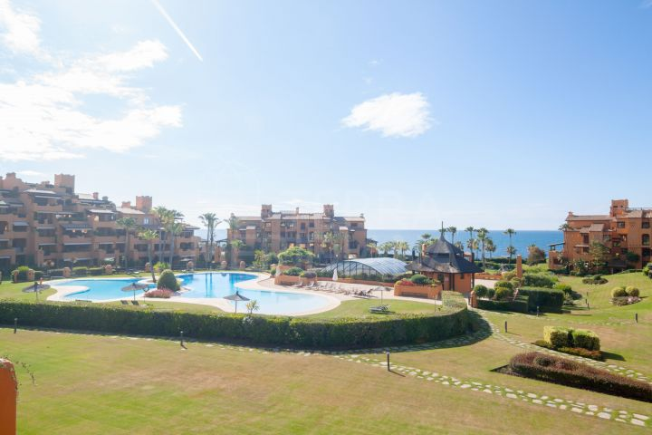 Modern apartment for sale in Los Granados del Mar, Estepona