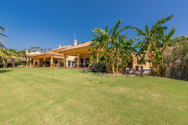 Classic villa for sale in Zona F, Sotogrande
