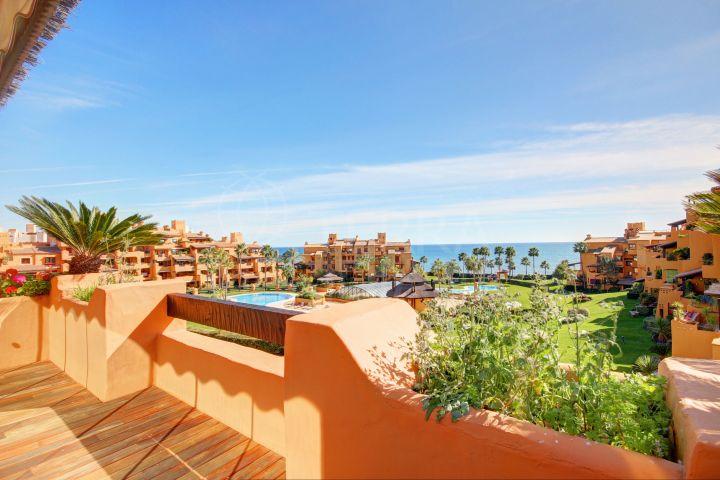 Luxury 3 bedroom apartment for sale in Los Granados del Mar, Estepona