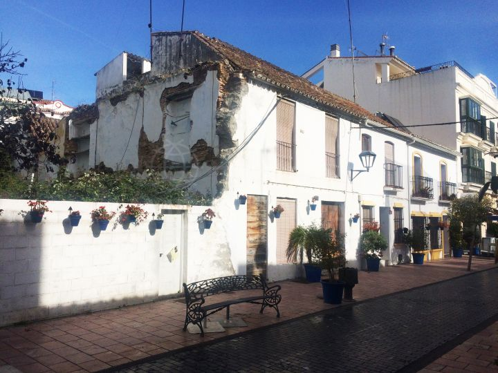 Project for sale in Estepona old town centre, 100m to the beach