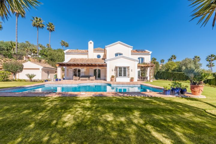 Classic Mediterranean villa for sale in Zona F, Sotogrande