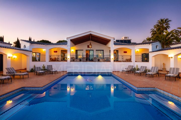 One of a kind deluxe villa for sale in El Madroñal, Benahavis