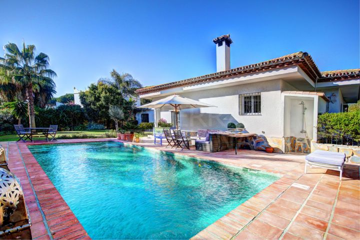 Single level beautiful 3 bedroom villa for sale, Benamara, New Golden Mile, Estepona