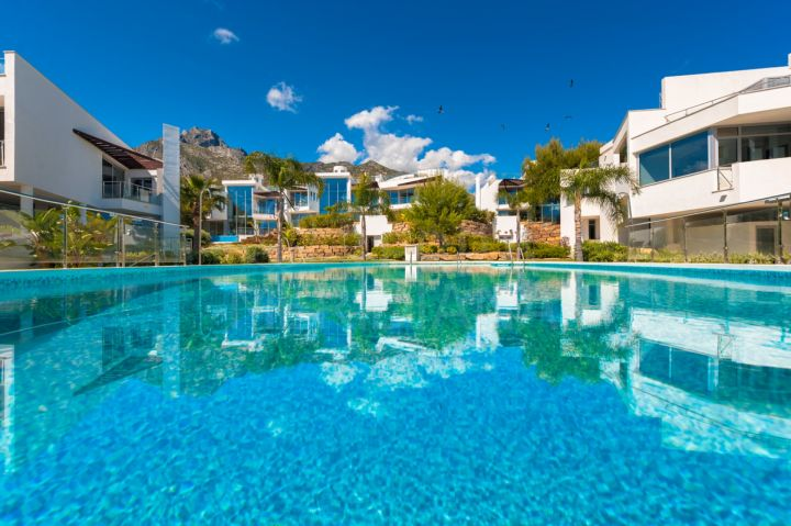 Luxury 2 bed townhouse for sale in Sierra Blanca, Golden Mile, Marbella