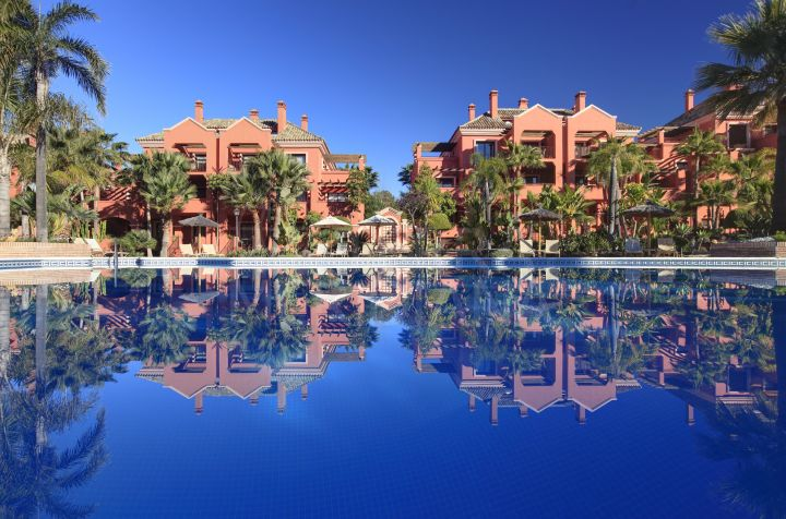 Luxury apartment for sale in Vasari Resort, La Alzambra, Nueva Andalucia, Marbella